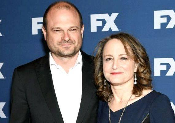 American crime story writers help his wife, Kelly